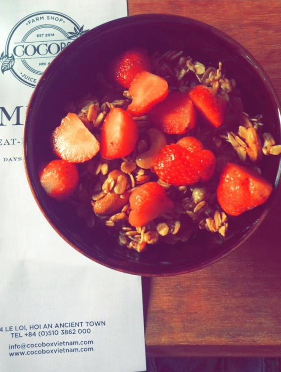 homemade granola with yoghurt, strawberries and bananas like looOooOoOOVE